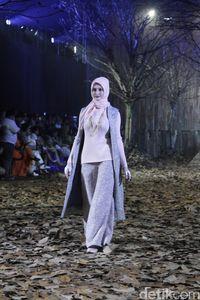 Fashion show 'Nostalgia' persembahan Ivan Gunawan yang menampilkan koleksi baju Lebaran 2019.