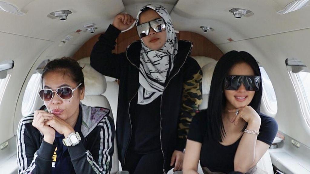 Diurus Manajemen, Jet Pribadi Syahrini Tak Dibayar Pak Haji