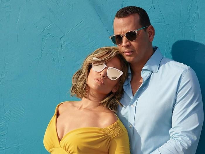 Jennifer Lopez dan Alex Rodriguez Jadi Bintang Iklan Kacamata