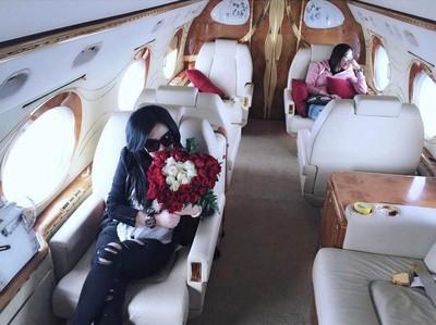 Mau Naik Pesawat Jet Pribadi Ala Syahrini? Ini Biayanya