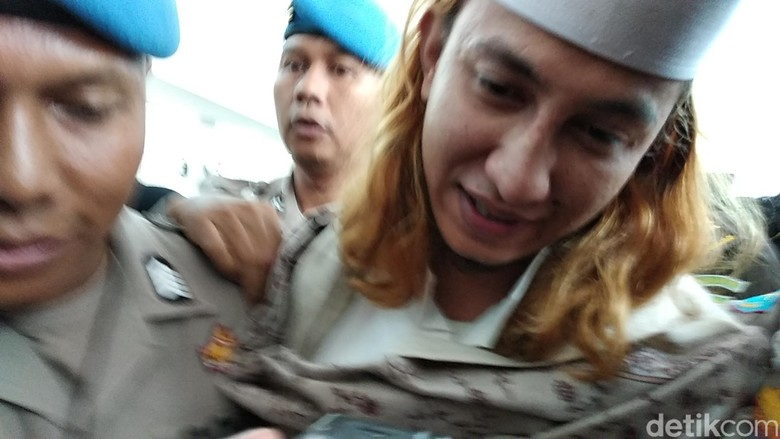Saksi Tak Hadir, Sidang Bahar bin Smith Ditunda Sepekan