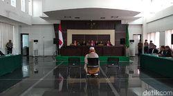 Hakim Tolak Eksepsi Habib Bahar bin Smith