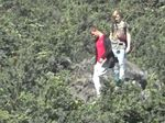 Nekat, 2 Turis Jerman ini Coba Dekati Kawah Bromo yang Semburkan Abu