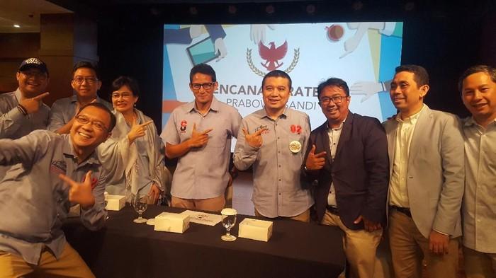Erwin Aksa (keempat dari kanan). (Zunita/detikcom)