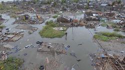 Tim Penyelamat Kesulitan Selamatkan Ribuan Orang yang Terjebak Siklon Mozambik