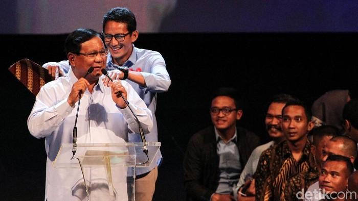 Ingat saat Prabowo menari dan dipijat Sandiaga saat debat capres perdana? Momen itu terulang saat Prabowo menghadiri deklarasi dukungan dari Aliansi Pengusaha Nasional.