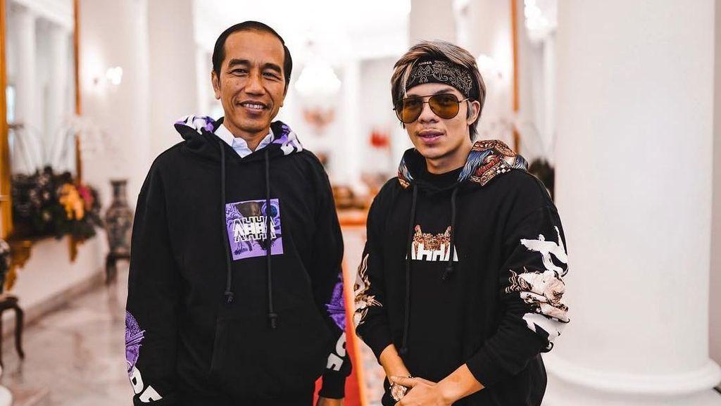 Istana Digerebek, Jokowi-Atta Halilintar Kompak Pakai Hoddie yang Sama