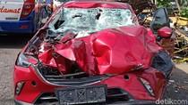 Anak Bupati Mojokerto Nonaktif Kecelakaan, Mobilnya Ringsek Parah