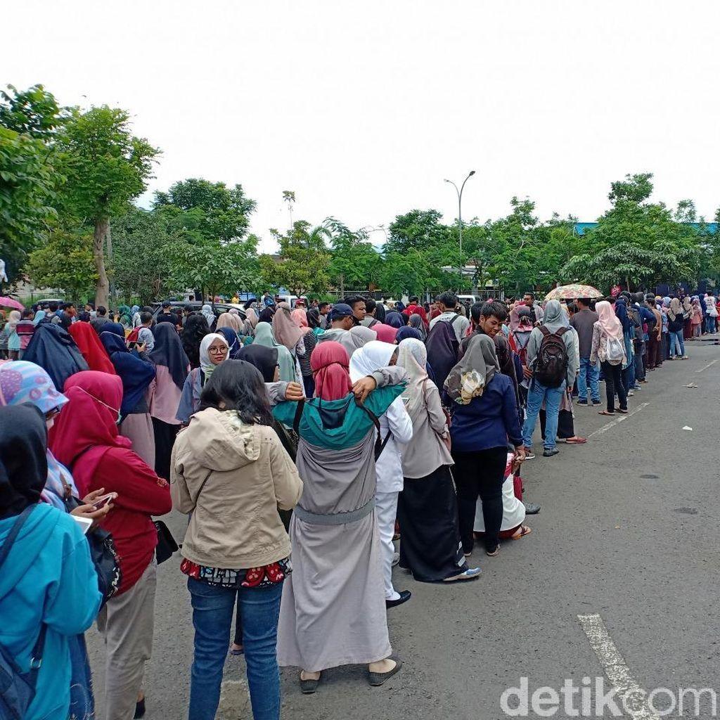 Warga Kediri Antusias Nonton Mata Najwa On Stage, Antrean Tiket Mengular