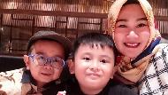 6 Potret Quality Time Keluarga Daus Mini