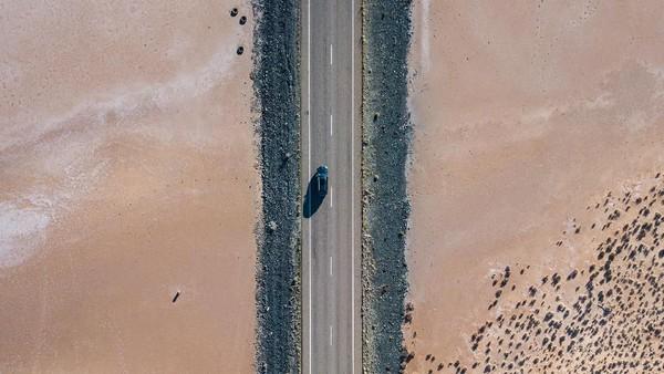 Foto drone daerah Lake Austin. Australia juga setir kanan seperti di Indonesia, jadi sangat memudahkan (Tourism Western Australia)