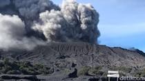 Semburan Abu Vulkanik Bromo Siklus Lima Tahunan