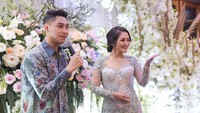 Siti Badriah resmi menggelar lamaran dengan sang kekasih Krisjiana, Kamis (21/3) di kediamannya di kawasan Kembang Kencur, Pejaten, Jakarta Selatan. (dok. Vamos never ending story)