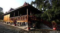 Miniatur Indonesia di Kebun Karet Belanda