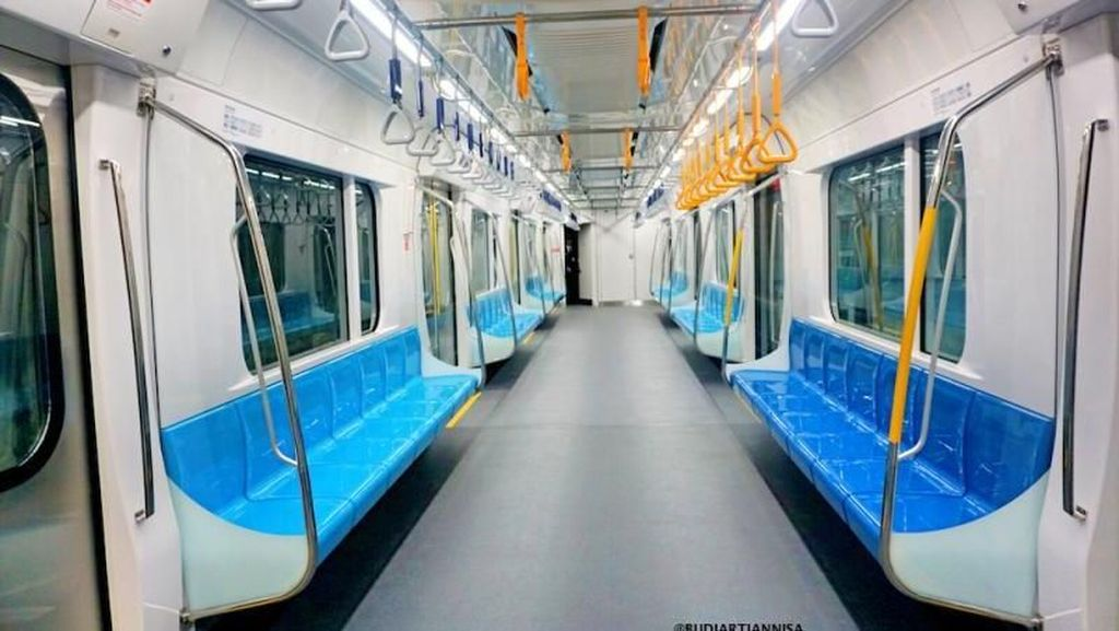Sensasi Mencoba Transportasi Kekinian Jakarta: MRT