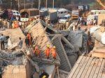 60 Jam Lebih Tertimbun Reruntuhan Gedung di India, 3 Orang Selamat