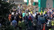 Salat Jumat Emosional di New Zealand Pasca Teror Mencekam