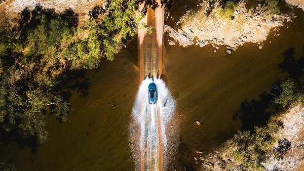 Bertualang membelah Sungai Gascoyne dekat Geraldton. Kamu bisa menjumpainya saat melakukan road trip dengan rute Coral Coast (Tourism Western Australia)