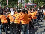 Massa Bentrok dengan Polisi di Banyuwangi, Ini Hanya Simulasi