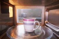 Tirukan Makanan yang Tengah Berputar Jadi Tren Terbaru Mircowave Challenge