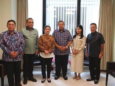 Momen Hangat Puan Maharani Kunjungi Ani Yudhoyono di Singapura