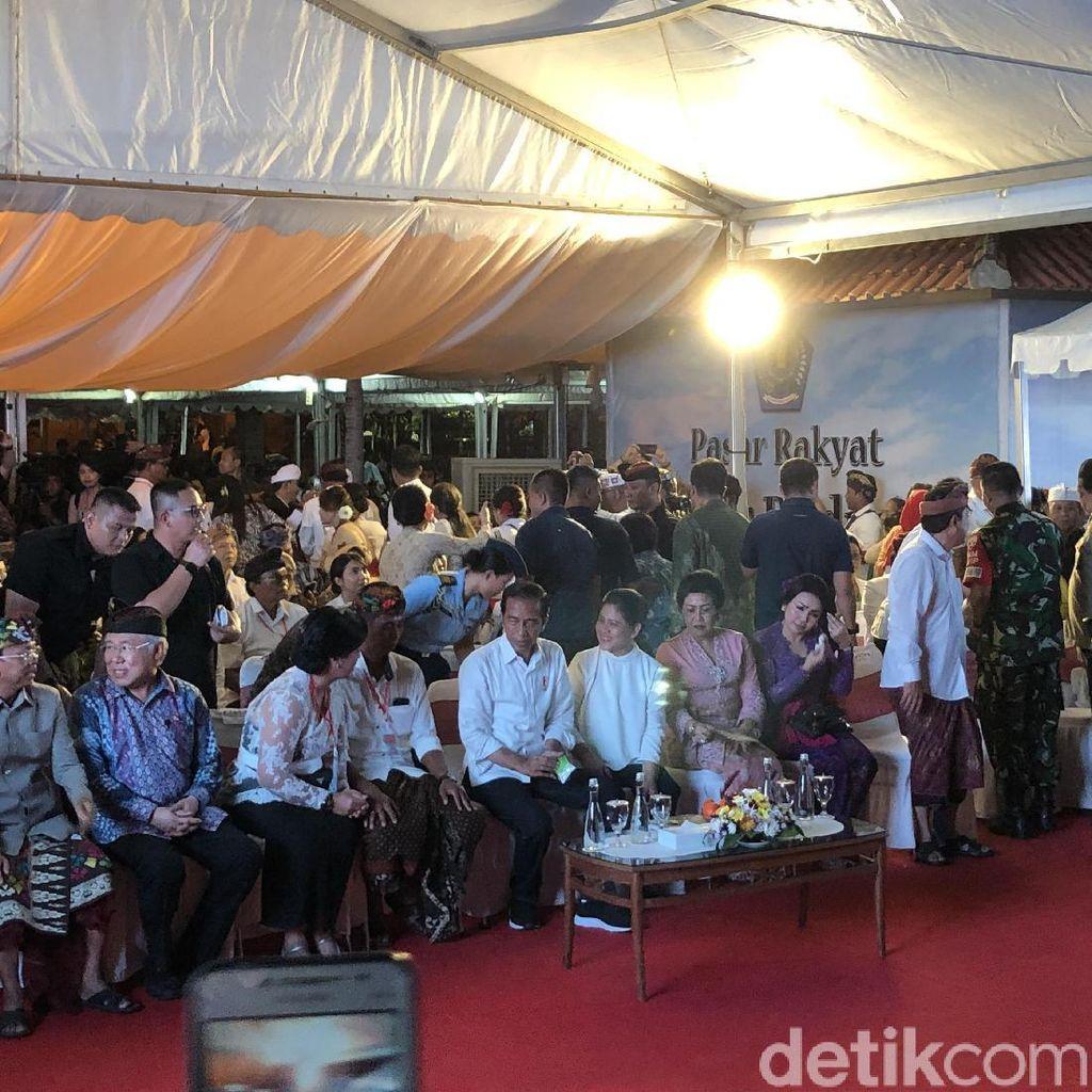 Jokowi: Jangan Biarkan Satu Orang Pun di Bali Golput