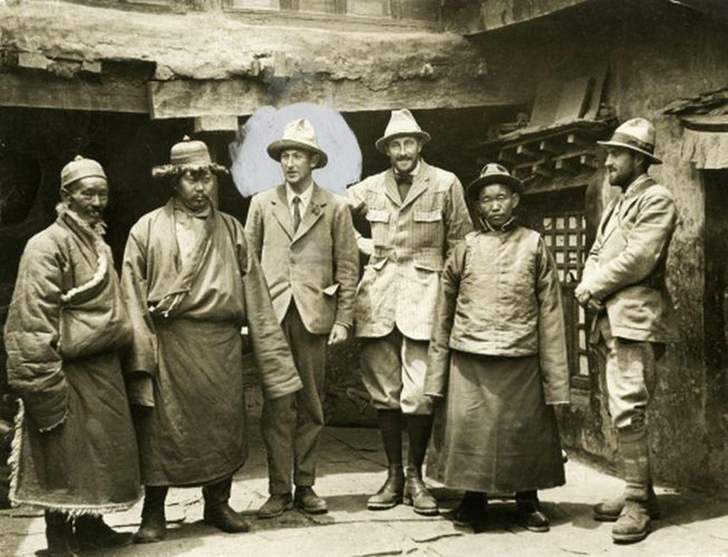 Pada Juni 1924, pendaki asal Britania Raya, George Mallory dan Andrew Irvine, hendak menjadi orang-orang pertama yang mencapai puncak Everest. Foto: Istimewa
