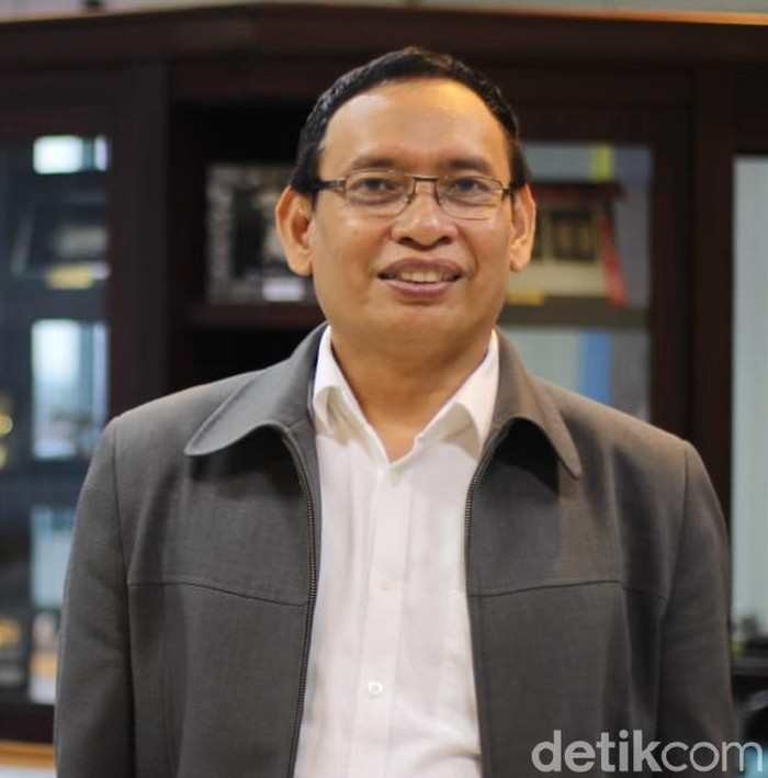 Rektor Unair Prof Moh Nasih