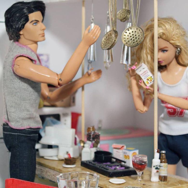 Begini Nih Jadinya Kalau Barbie Masak Dan Pose Makan Cantik Foto 3