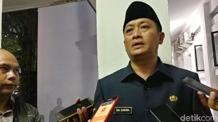 Sekda Kota Bandung Ema Sumarna