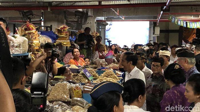 Foto: Presiden Jokowi resmikan Pasar Rakyat Badung (Ray Jordan/detikcom)