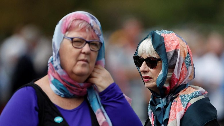 Saat Wanita New Zealand Ramai-ramai Berkerudung untuk Korban Teror
