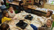 Serunya Anak-anak SD di Jerman Belajar Membatik