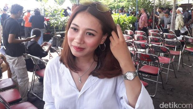 Ini Dia Tiffani, Mahasiswi yang 'Nembak' Sandi untuk Jadi Istri Kedua