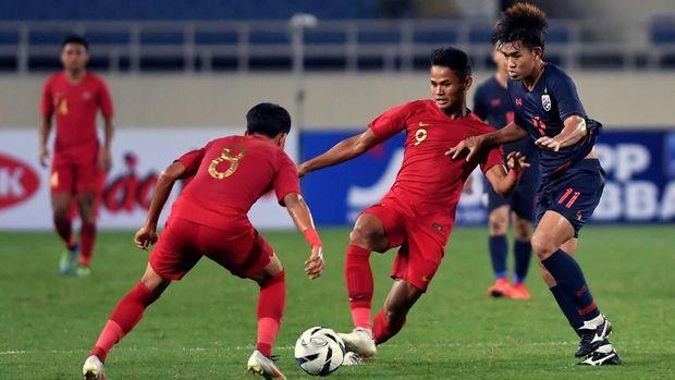 Timnas Indonesia U-23 kalah telak dari Thailand.
