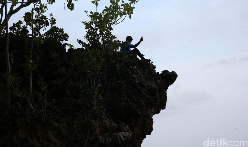 Tim detikcom menempuh perjalanan laut dari Pulau Bacan hingga sandar di Desa Lele, Pulau Mandioli, Kabupaten Halmahera Selatan, Provinsi Maluku Utara (Danu Damarjati/detikcom)