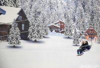 Lift salju di Trans Snow World Juanda (Rachman/detikcom)