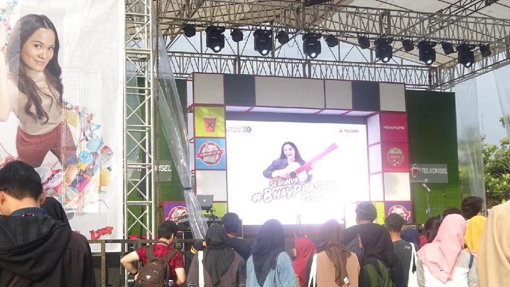 Disambut Meriah! Ajakan #BhayPlastik di Kota Bandung