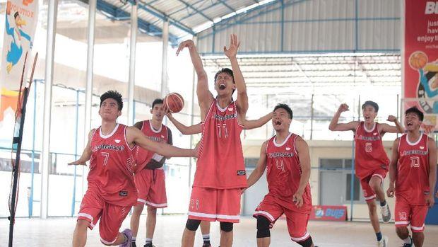 10 Anak Kampus Indonesia Ikuti Turnamen Streetball di Filipina