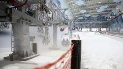 Akhir Pekan di Bekasi: Main Salju & Ski di Trans Snow World Juanda