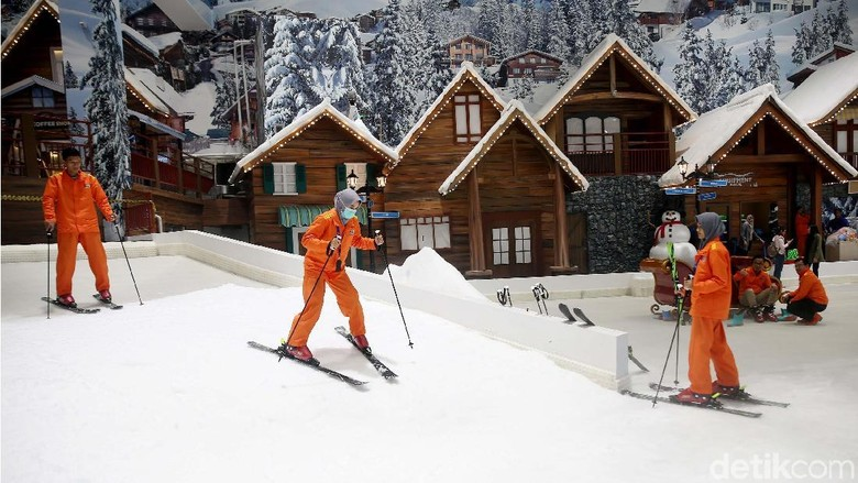 Main ski di Trans Snow World (Rachman Haryanto/detikcom)