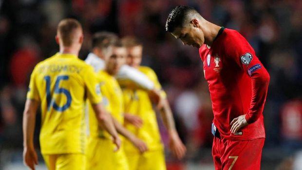 Cristiano Ronaldo tak mampu mengantar Portugal menang lawan Ukraina.