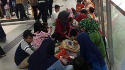 Kata Menhub Soal Penumpang MRT yang Tak Tertib