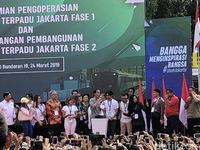 Pesan Jokowi ke Warga: MRT Ini Budaya Baru, Antre, Jangan Asal Buang Sampah!