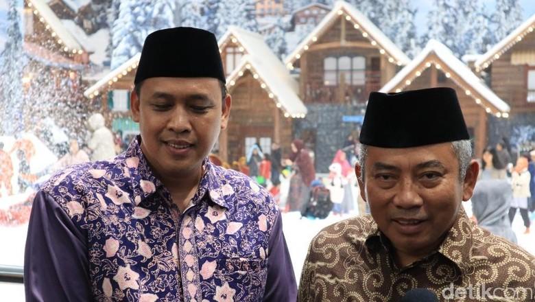 Walikota Bekasi, Rachmat Effendi (kanan) dan Wakilnya Tri Adhianto (Randy/detik.com)