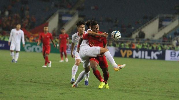 Timnas Indonesia U-23 kalah tipis dari Vietnam.