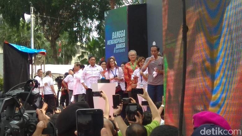 Resmikan MRT Jakarta, Jokowi Mandi Keringat dan Tampak Kehausan