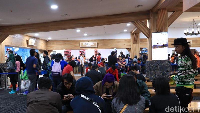Hari ini menjadi hari peluncuran Trans Snow World Juanda di Margahayu, Bekasi. (Johanes Randy/detikcom)