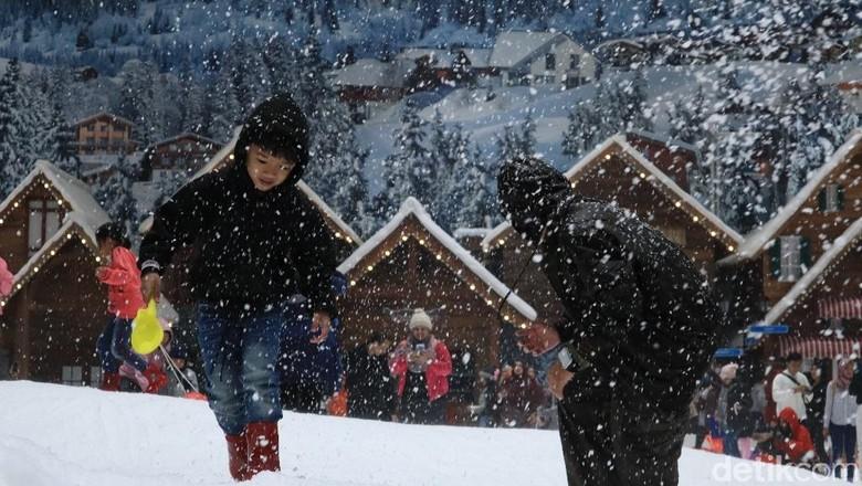 Liburan menikmati salju di Bekasi, bisa! (Johanes Randy/detikcom)