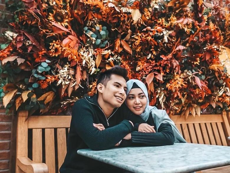 Foto: Rachel Vennya dan suami (Dok. Instagram @rachelvennya)